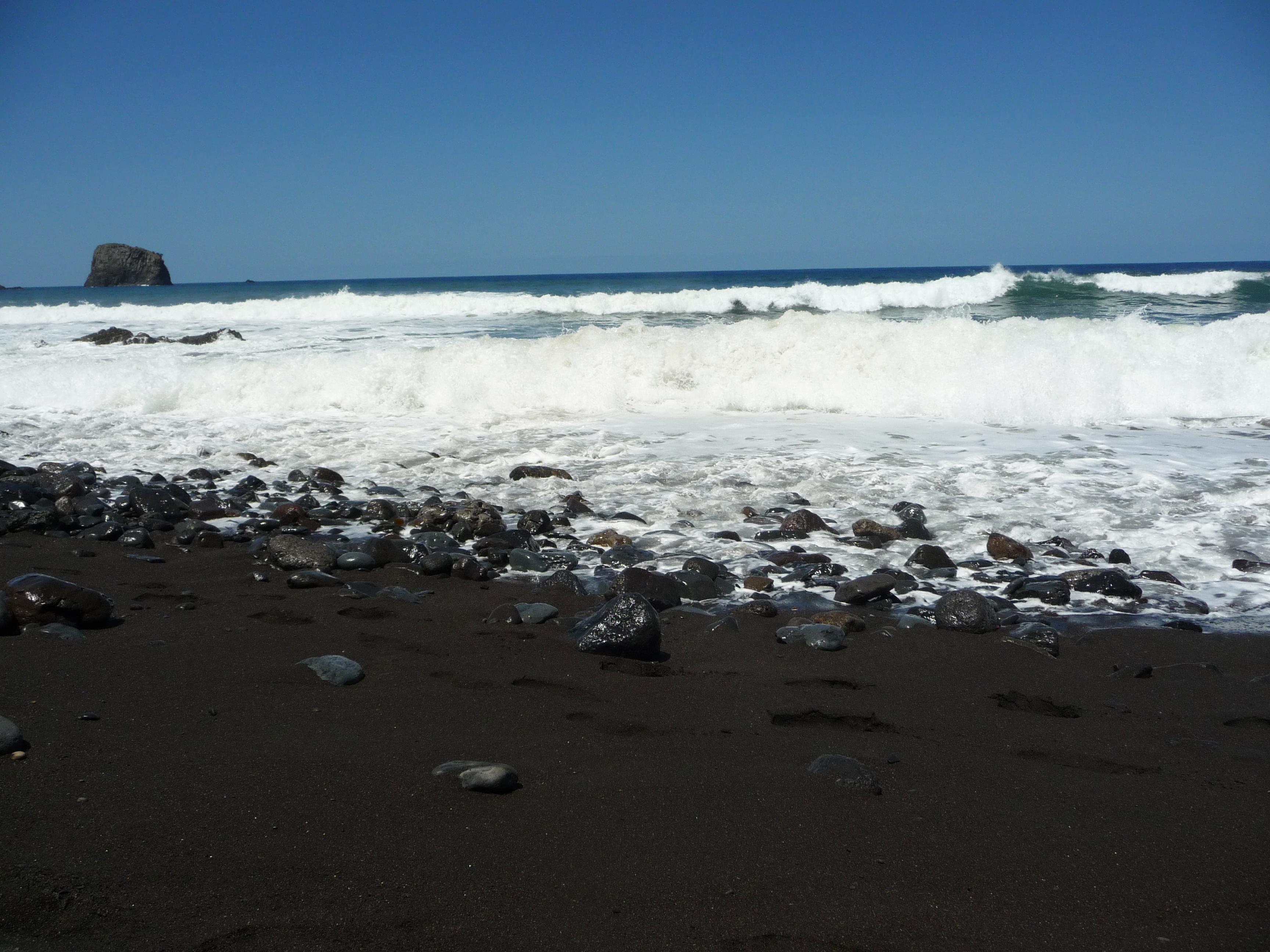 Plage de sable noir, Madère