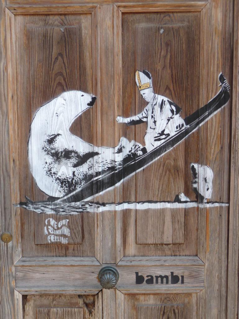 Street art, Ours polaire, Le Pape, gondole, Venise