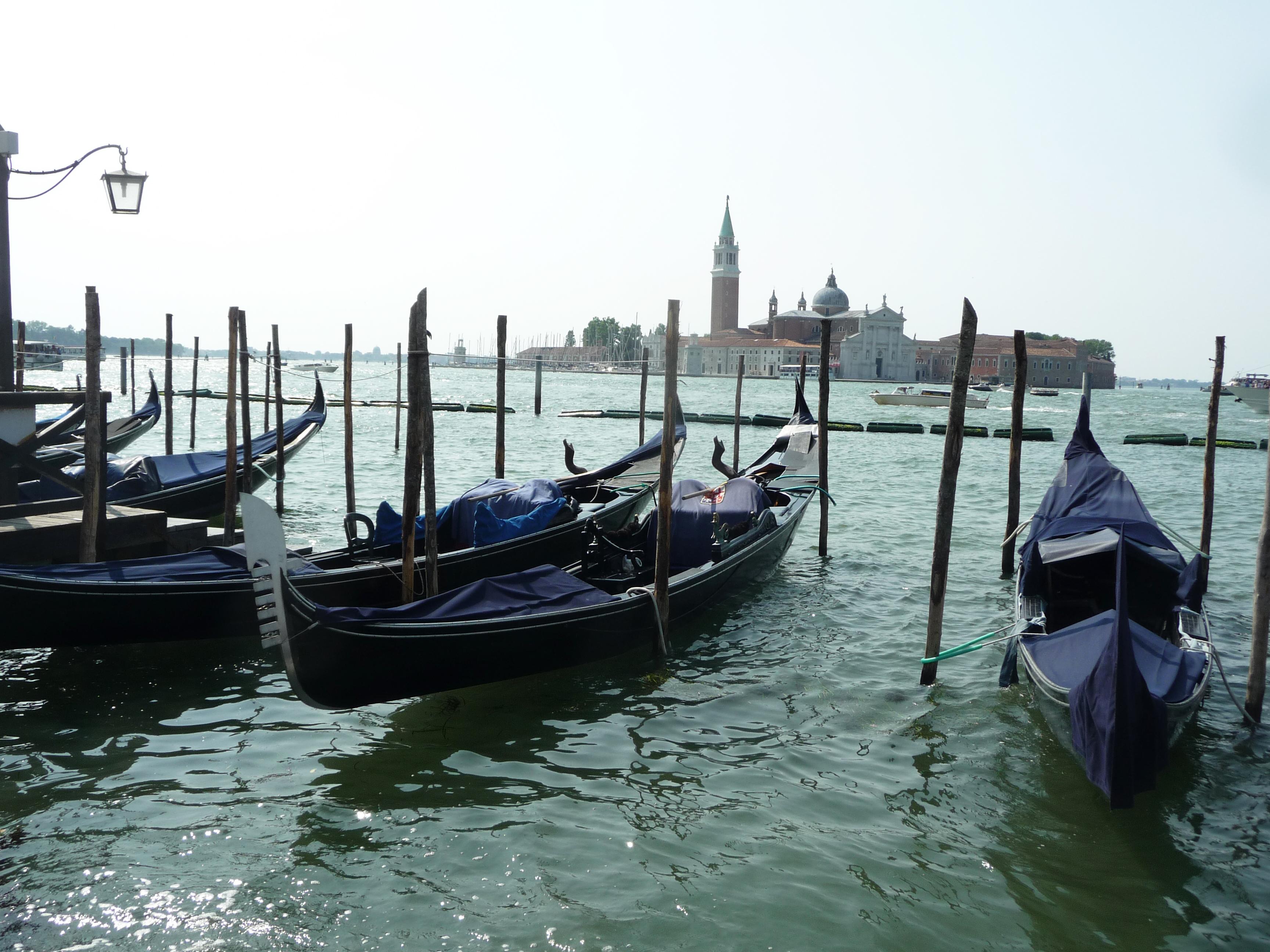 Venise, Italie, gondoles