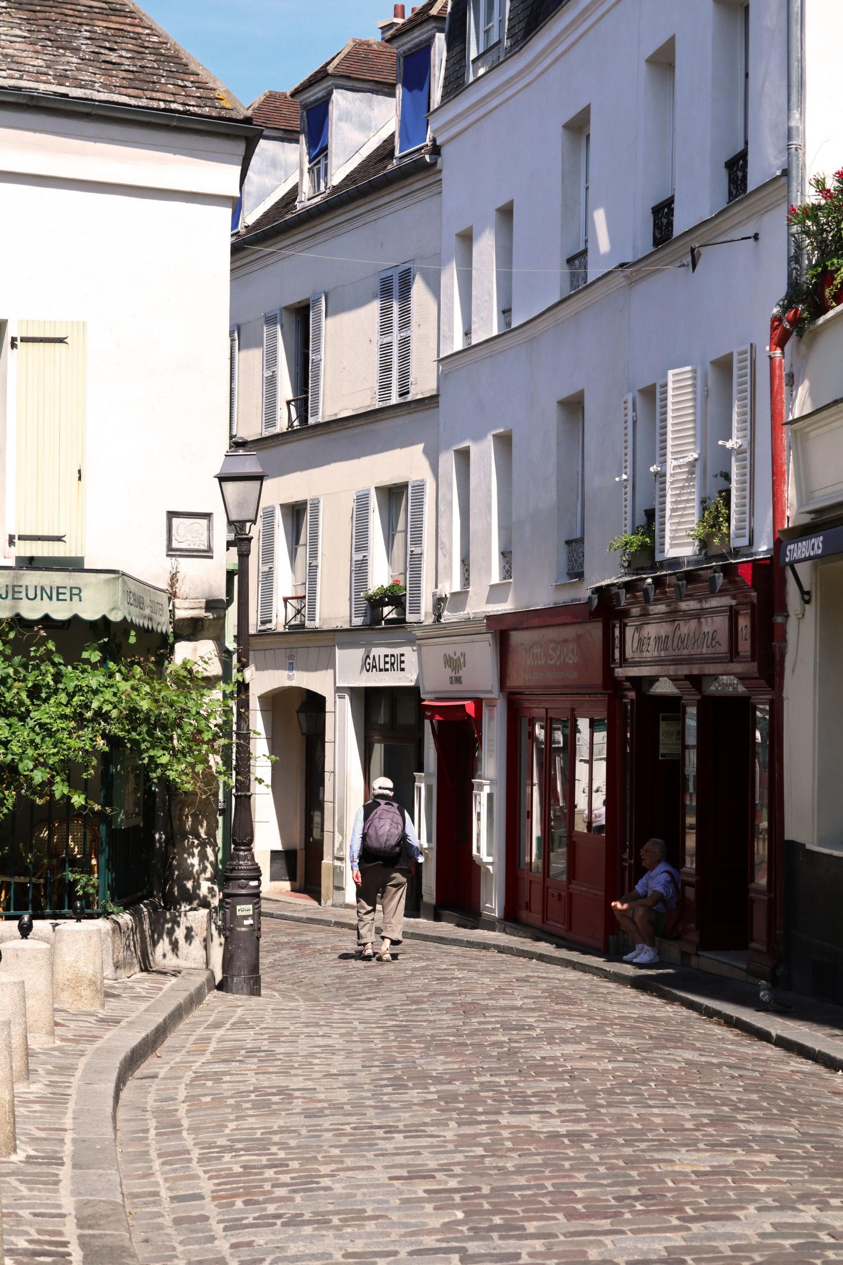 Montmartre, ruelle deserte, Paris