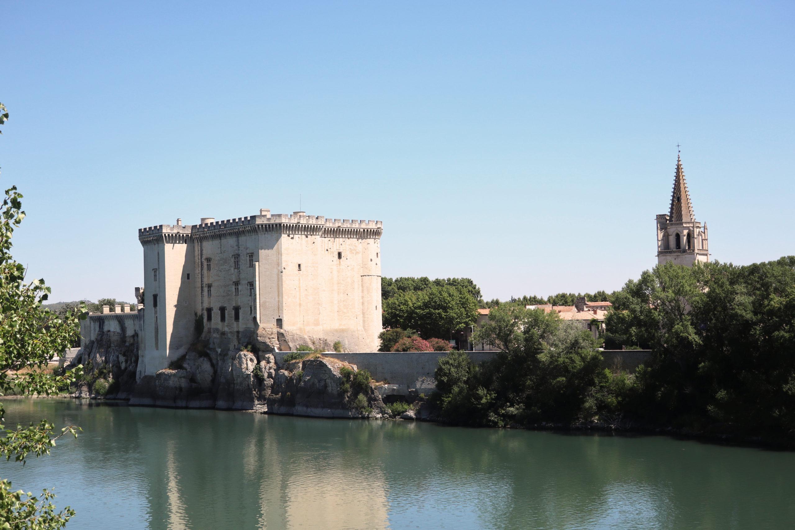 Chateau et collégiale, Tarascon